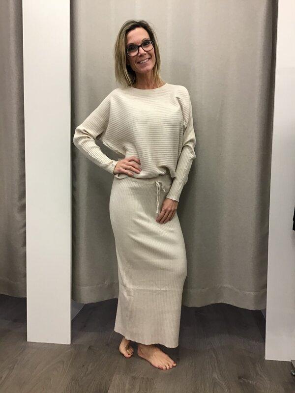 Rok met blouse beige