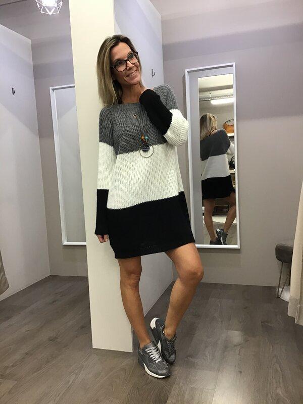 Pull kleedje met ketting grijs wit zwart