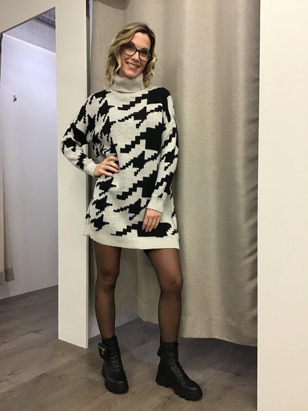 Lange pull/kleed zwart beige