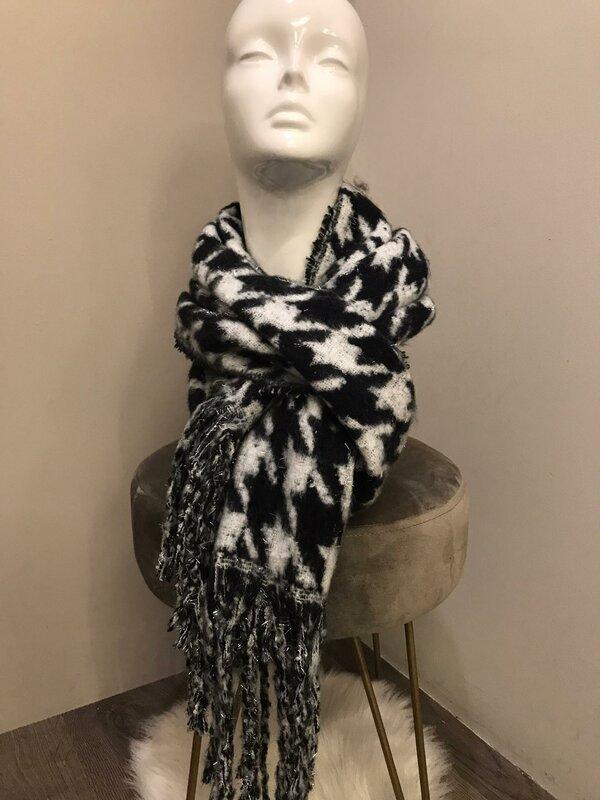 Warme sjaal zwart en wit
