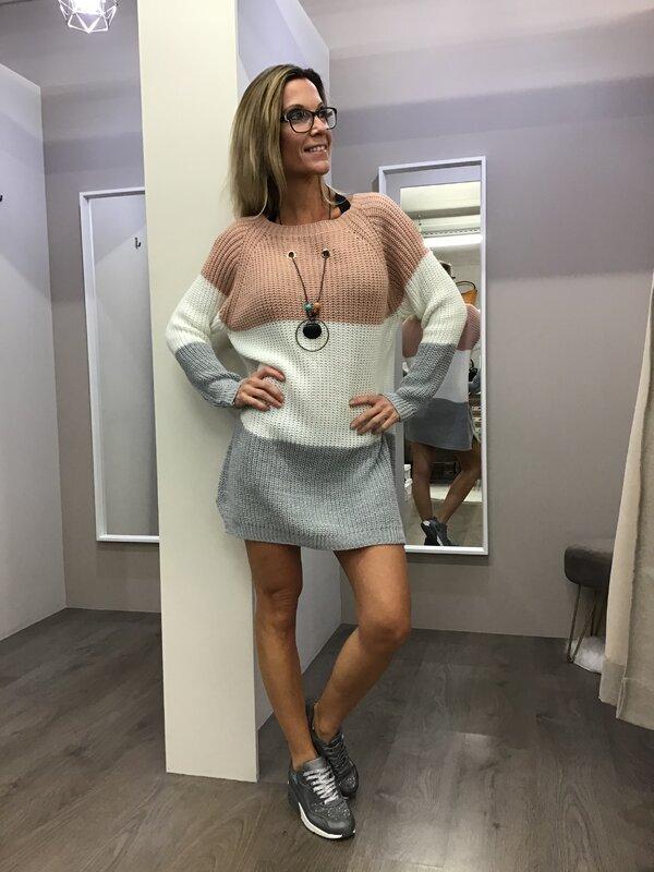 Pull kleedje met ketting  roze wit grijs