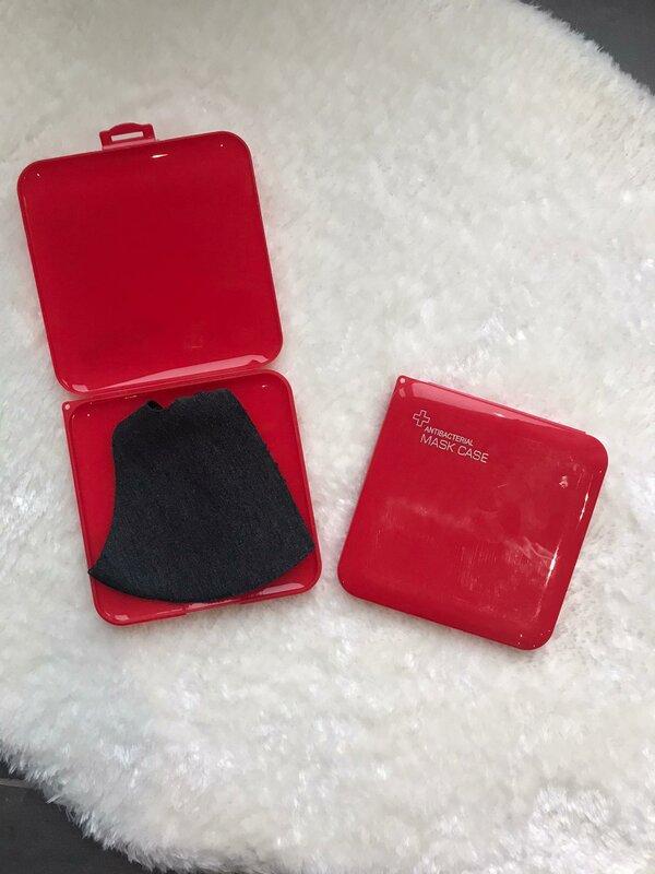 Case voor mondmaskers rood