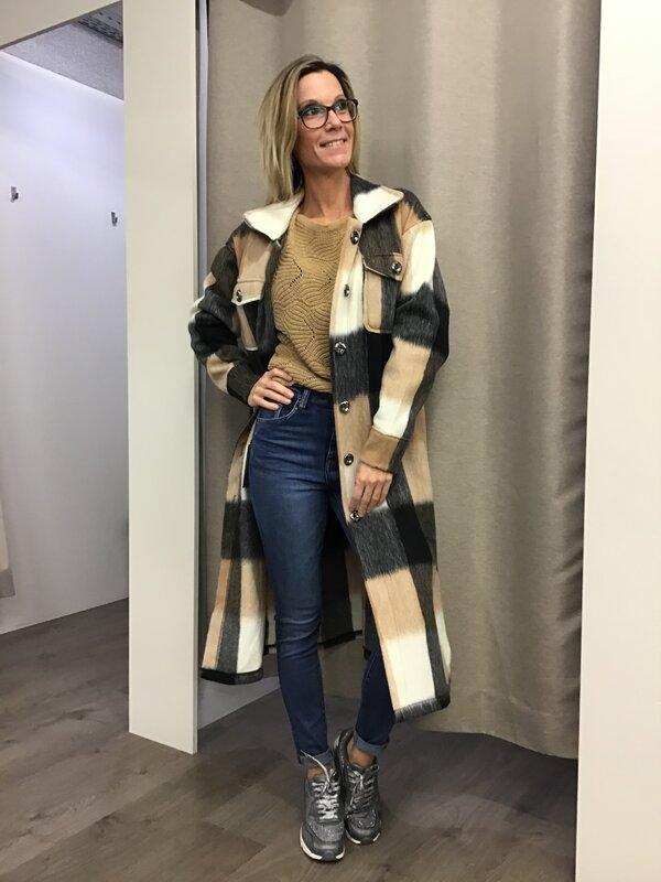 Lange jas beige met zwart
