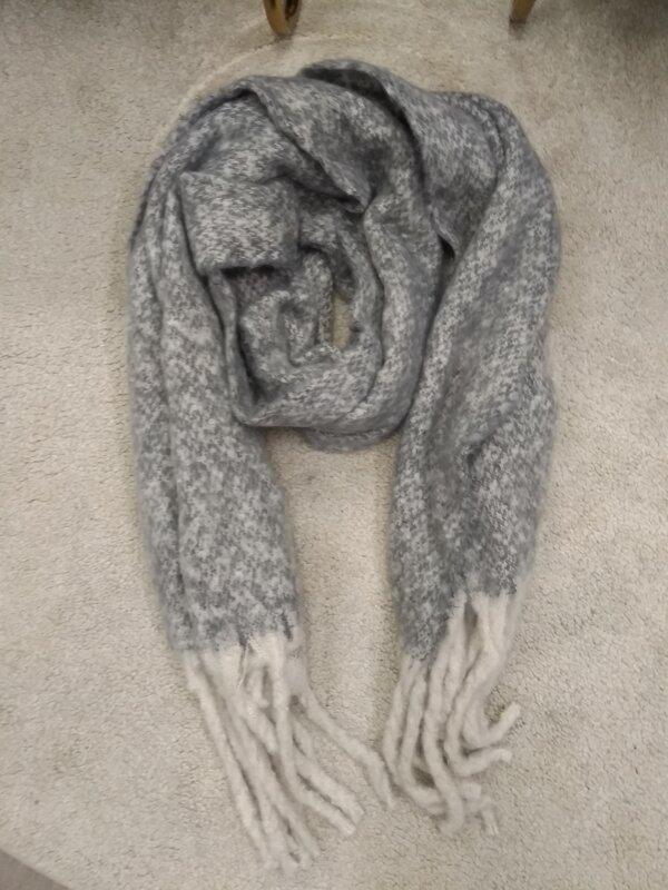 Warme sjaal grijze beige tinten