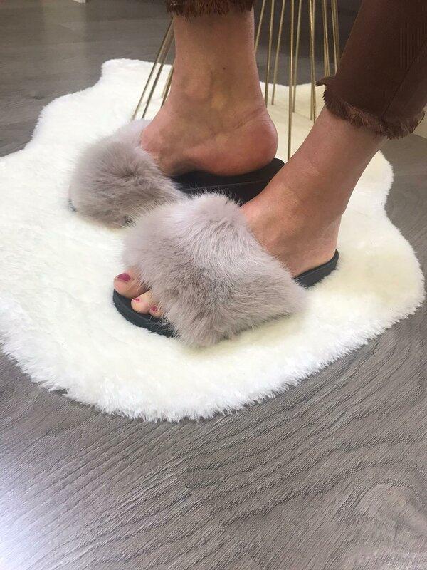 Slipper met beige fluffy