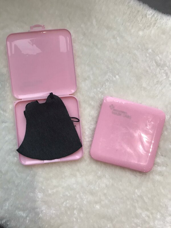 case voor mondmasker roze