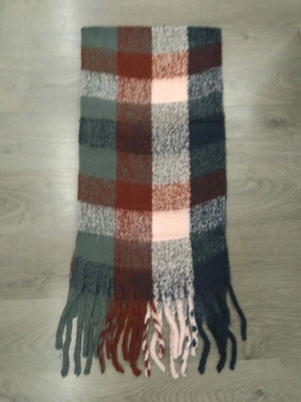 Dikke sjaal in grijs roze en bordeaux tintjes