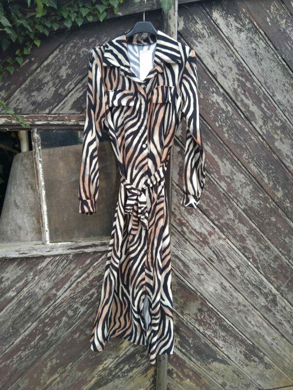 Lang kleedje met zwart beige camel printje