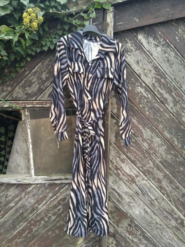 Lang kleedje met printje in zwart grijs beige