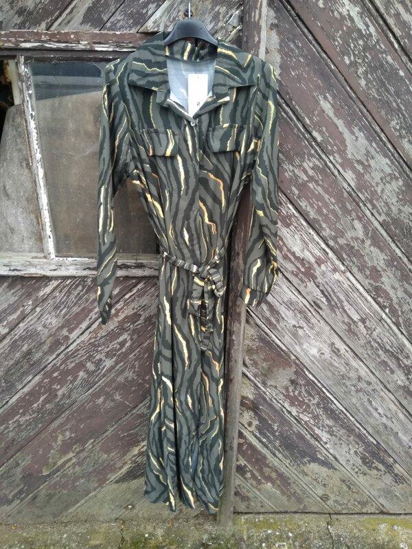 Lang kleedje met printje in kaki