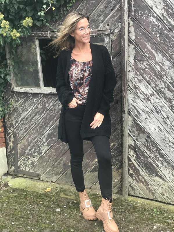 Cardigan in zwart half lang model
